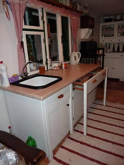 Dobře provedená renovace pomůže nábytku, byť v trochu pozměněné podobě, plnit jeho funkci.