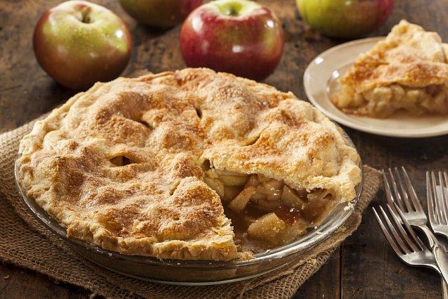 Jablečný koláč je neuvěřitelně rychlý.