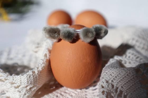 Vajíčko s věncem z kočiček