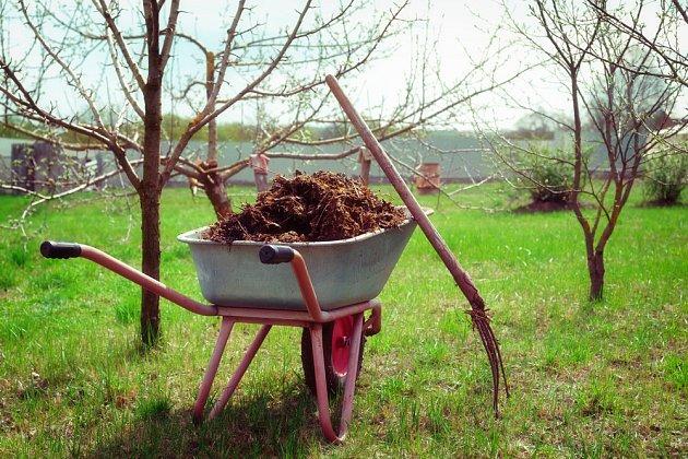 Kompost je přirozené, kvalitní, komplexní hnojivo
