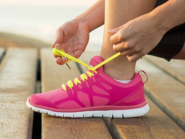 Důležitá je kvalitní obuv s odpruženou podrážkou.