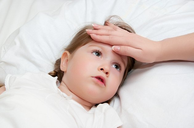 Nachlazení může přejít v zánět středního ucha.