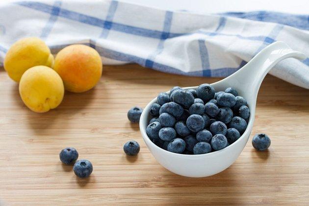 Borůvka a meruňky patří mezi nejdietnější potraviny.