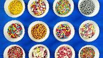 Nabídka na zdobení cukroví je velmi široká.