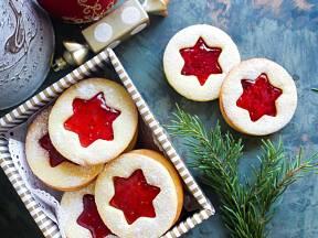 Křehká linecká kolečka patří mezi nejoblíbenější vánoční cukroví