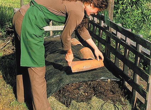 přikrytí kompostu