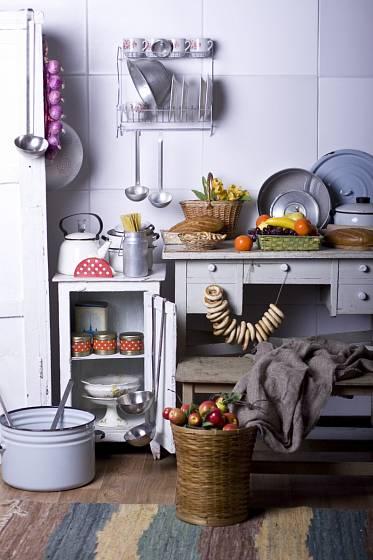Kuchyň po babičce má své kouzlo i dnes.