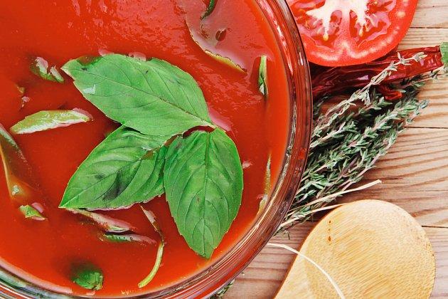 rajská polévka s tymiánem