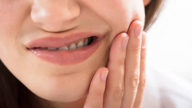 Pokud nás k zubaři přivede až silná bolest zubů, je většinou už hodně pozdě.