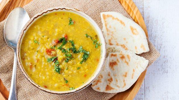 Hutná polévka je ideální podzimní večeří.
