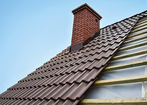 Délkové překrytí tašek ovlivňuje především sklon střechy