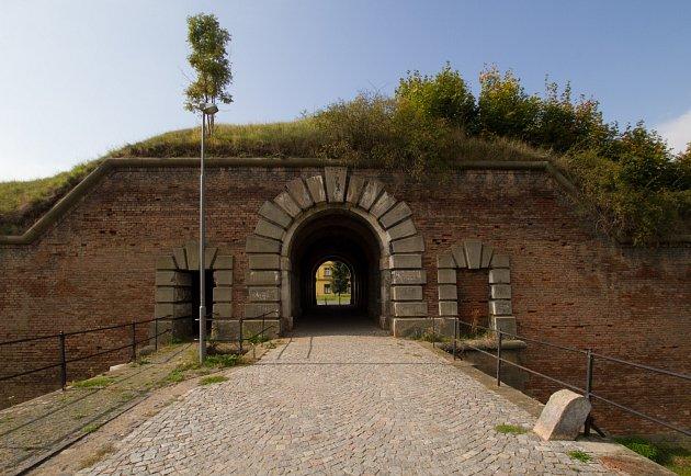 Terezínská Velká pevnost má ojedinělého genia loci.