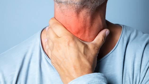 Nádory krku častěji onemocní muži.