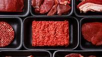 Pozor na balené maso, zvláště na to ve slevách.