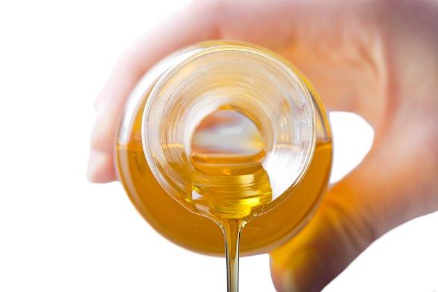 Masážní olej se dá snadno vyrobit doma