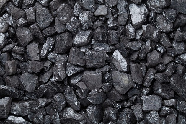 Od topení uhlím se upouští.