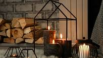 Zapálené svíčky ohrožují koberec nejen voskem
