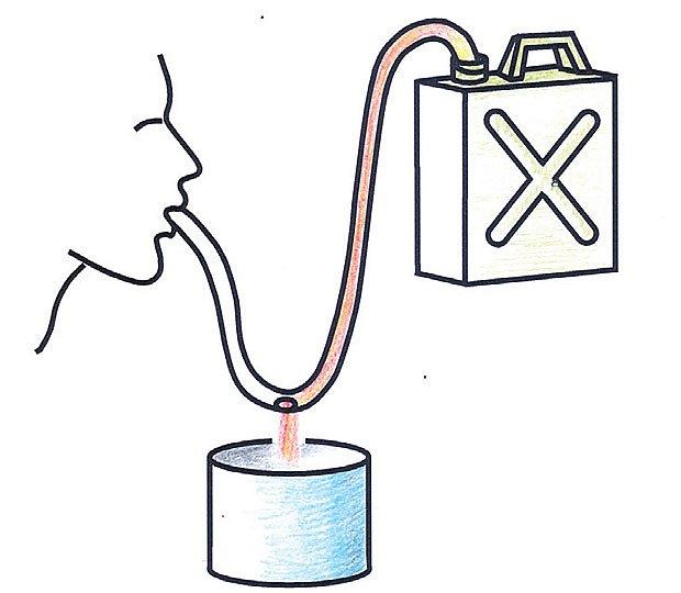 přepouštění benzínu
