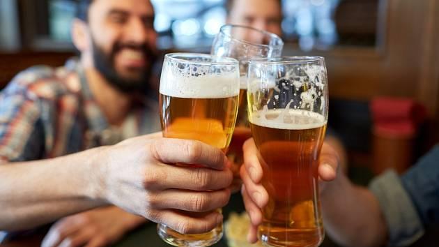 Pivo se u Čechů těší mimořádné oblibě.