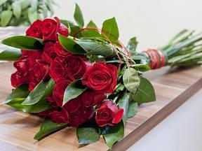 Správný řez prolouží krásu růží o dlouhé dny.