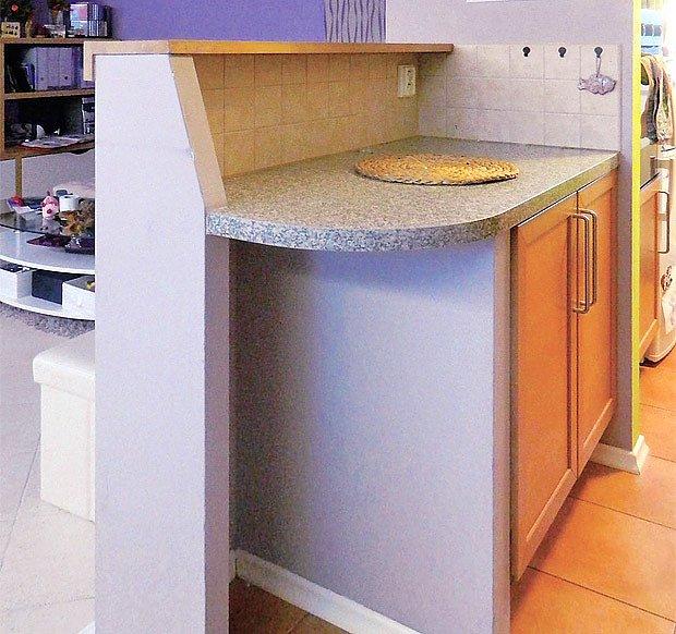 kuchyňská linka doplněná sádrokartonem