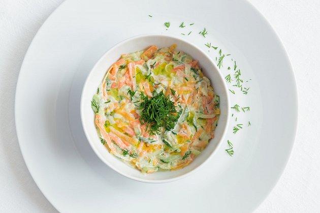 Zdravější verze majonézového salátu Coleslaw.