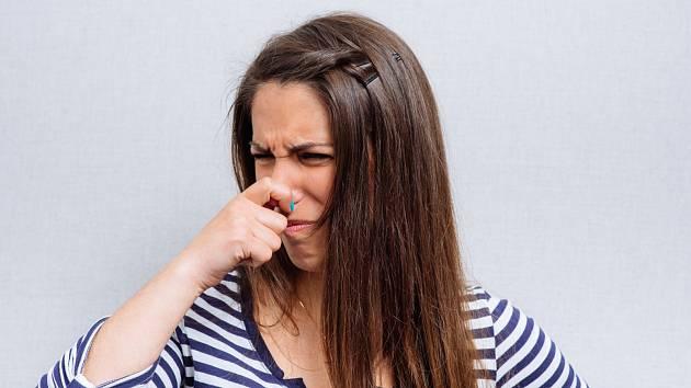 Smrdí záchod? A víte, kde všude příčiny zapáchající toalety hledat?