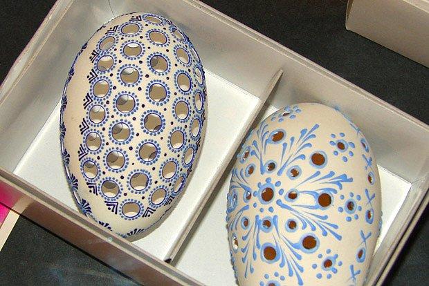 husí děrovaná vejce