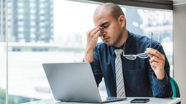 Cítíte se v práci nemocní?