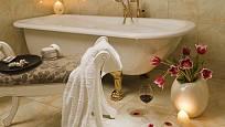 Koupelnu proměníme snadno ve velmi romantické místo.