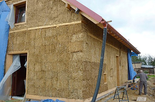 konstrukce izolovaná balíky slámy
