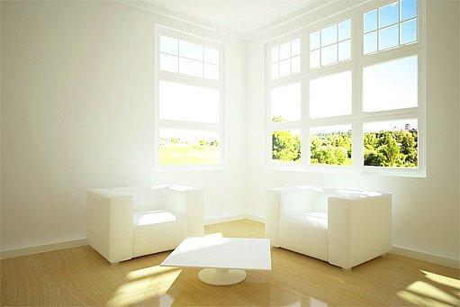 bíle vymalovaný pokoj