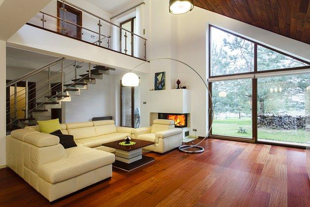 Dřevěná podlaha je stále velmi oblíbená.