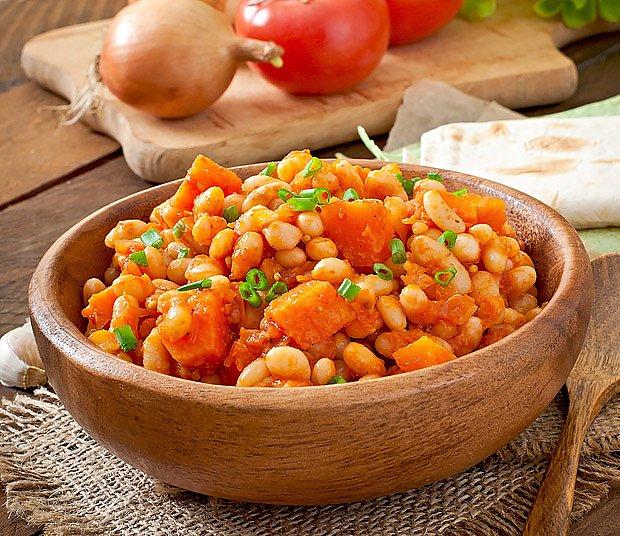 Bílé fazole s rajčaty