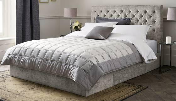 Americká postel v moderním designu