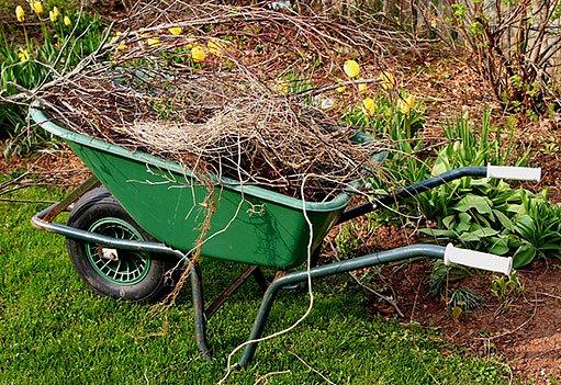 jarní úklid zahrady