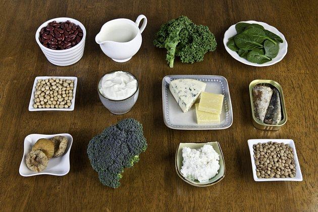 Na vápník nejsou botahé pouze mléčné výrobky, ale řada dalších potravin, zelenina a semena
