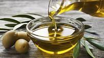 Na ochucený olej použijte jedině extra panenský olivový olej.