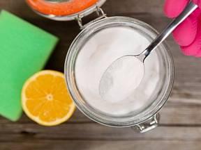 Jsou i materiály, kterým by soda mohla prostě a jednoduše uškodit.