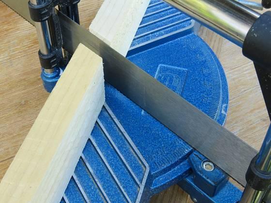Výroba dřevěné trojnožky: Úhel pro vzpěry je 60 °