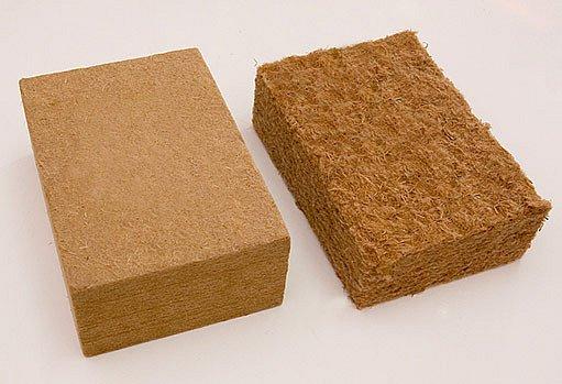 dřevitá vlna jako pevná deska i volně tvarovatelná