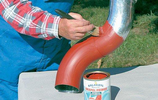 K prvnímu nátěru kovu (železa) slouží tzv. základní nátěr