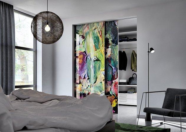 Dveře se zakomponovaným plátnem