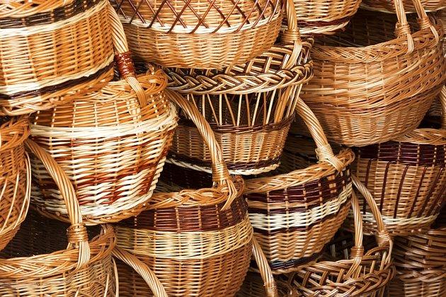 Vrba je přírodní materiál a košíkářství jedním z nejstarších známých řemesel.