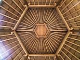 Střecha bambusového altánu