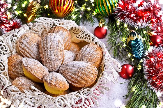 Jednoduchá směs koření vykouzlí z madlenek zajímavé vánoční cukroví.