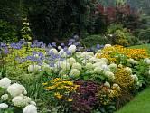Barvy vyvolávají pocity a nálady a zásadně ovlivňují první dojem z interiéru i zahrady