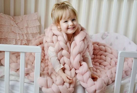 Hřejivou pleteninu ocení i děti