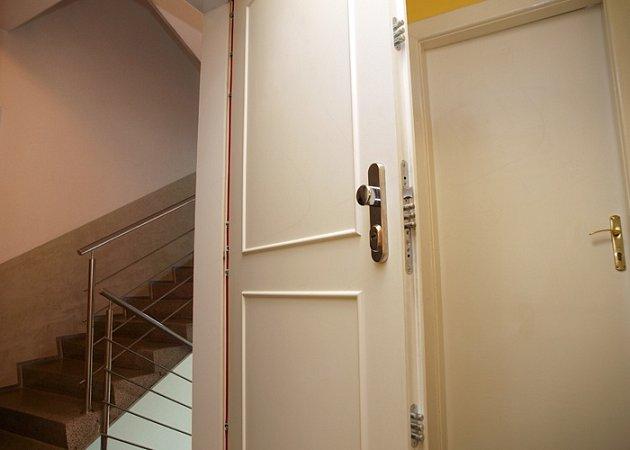 Adlo – bezpečnostní dveře