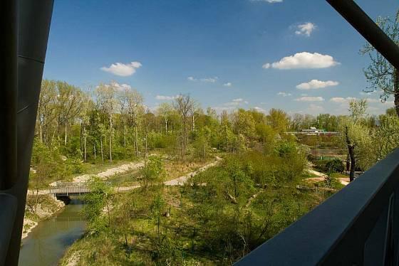 30 metrů vysoké rozhledny Baumwipfelweg je pěkný výhled do okolí.